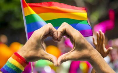 Amar con orgullo, inspirarnos en la lucha de la comunidad LGTBIQ y sus miles de colores 馃彸锔忊�嶐煂�